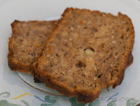 slices of apricot nut bread