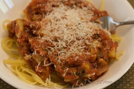 Meatless Monday - quinoa pasta with tomato puttanesca sauce