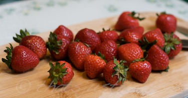 organic california strawberries from whole foods